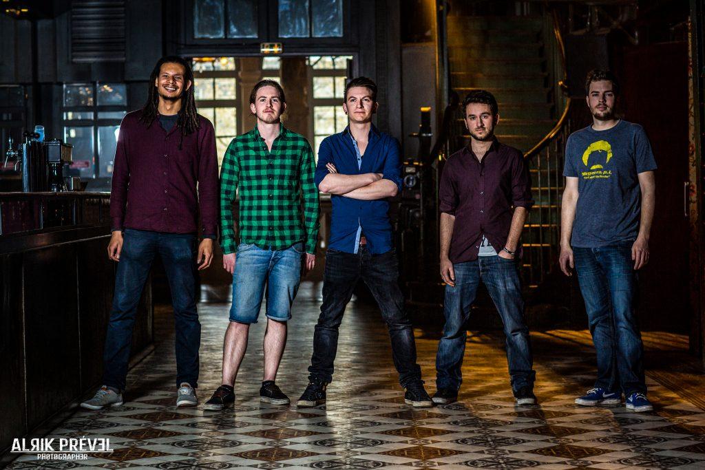 The band : Shuffle
